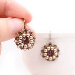vintage-style-earrings-beading-tutorial-01