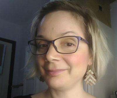 sidonia-wearing-her-christmas-tree-earrings